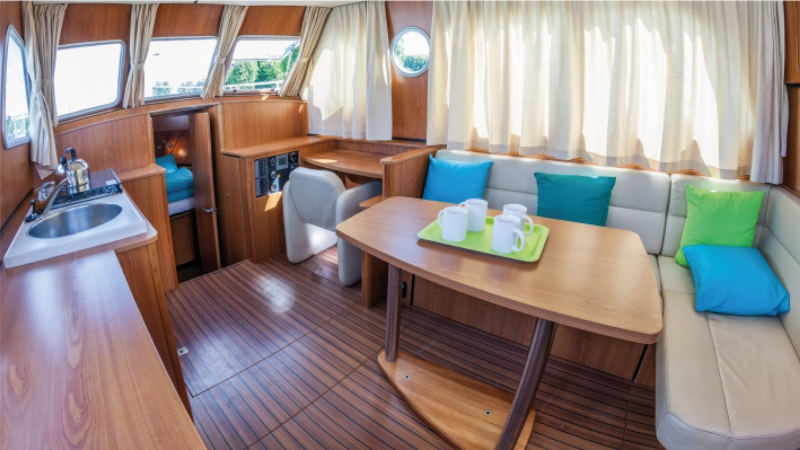 Linssen Grand Studie 34,9 - Lounge, umwandelbar in ein Doppelbett