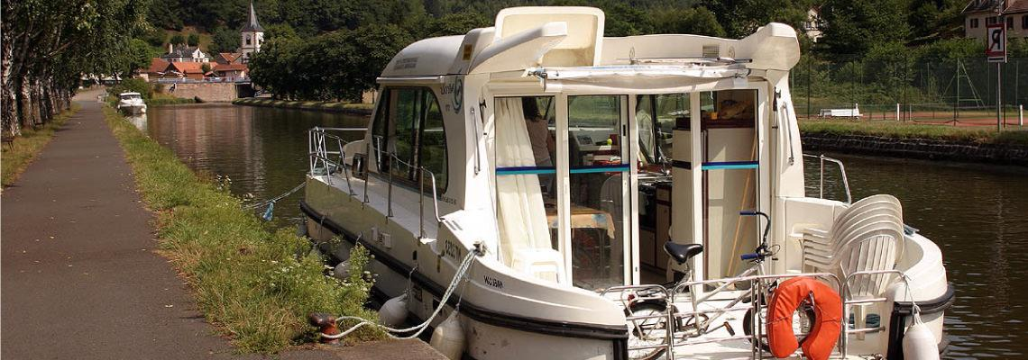 Fluss Boating Holidays auf Sedan 1000 Slide 4